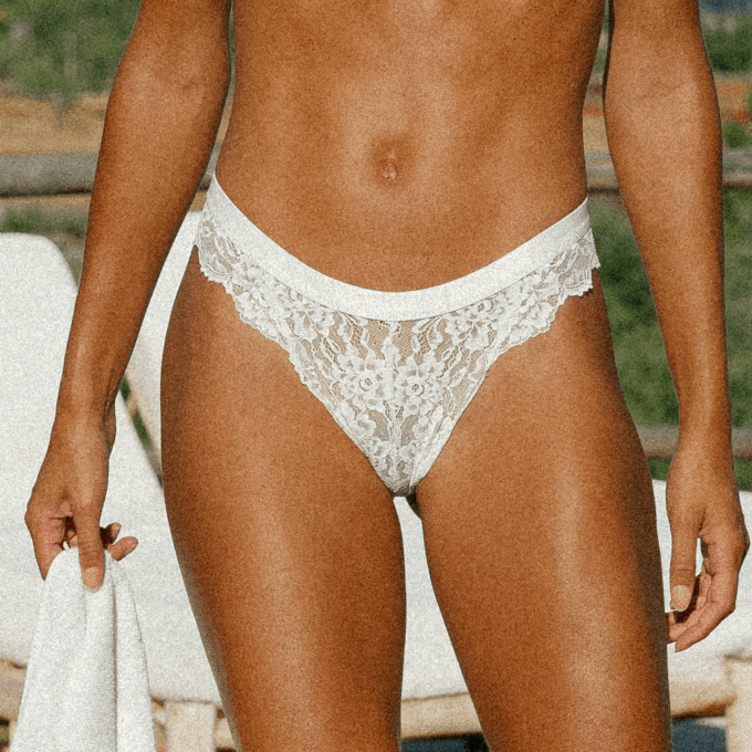 lace kant high waist recycled lingerie ondergoed string thong slip amsterdam duurzaam duurzaamheid sustainable white wit